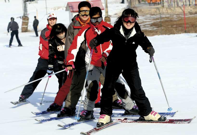 Esquiar se ha convertido en uno de los entretenimientos favoritos de los jóvenes chinos.