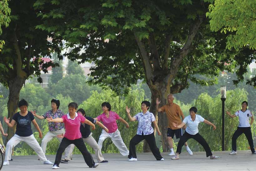 Divirtiéndose practicando taijiquan.