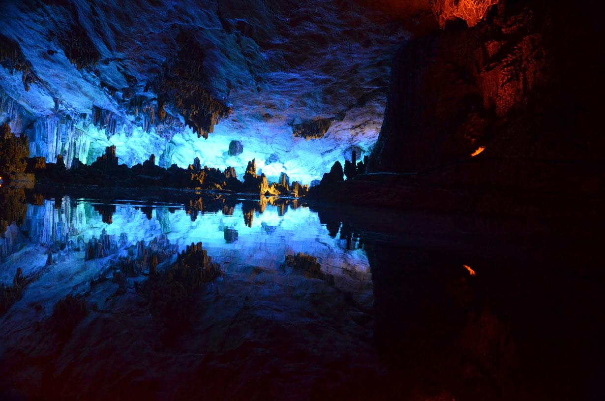 Cueva de la Flauta de Caramillo en Guilin.
