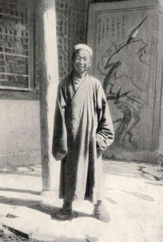 El sacerdote taoísta Wang Yuanlu, que descubrió la Cueva de los Sutras de las Grutas de Mogao en 1900.
