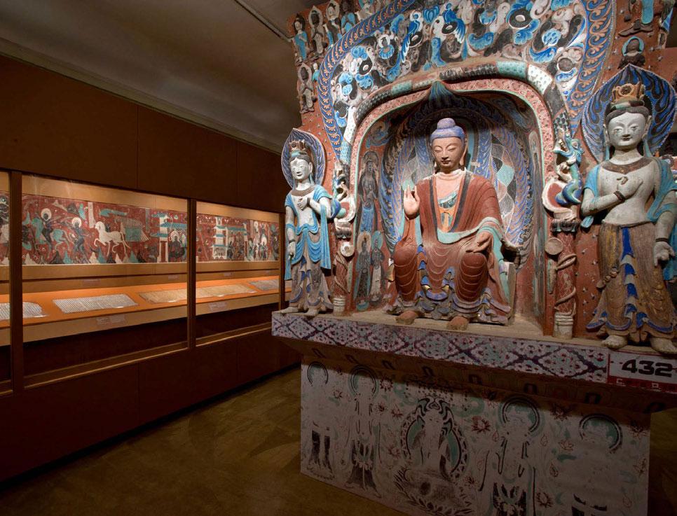 Obras originales y reproducciones de las Grutas de Mogao expuestas en el Instituto Chino de Nueva York.