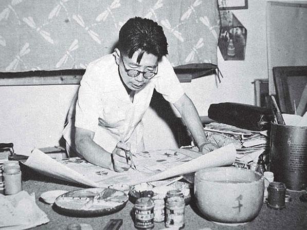 Un joven Chang Suhong trabajando en la restauración de los frescos de Mogao.