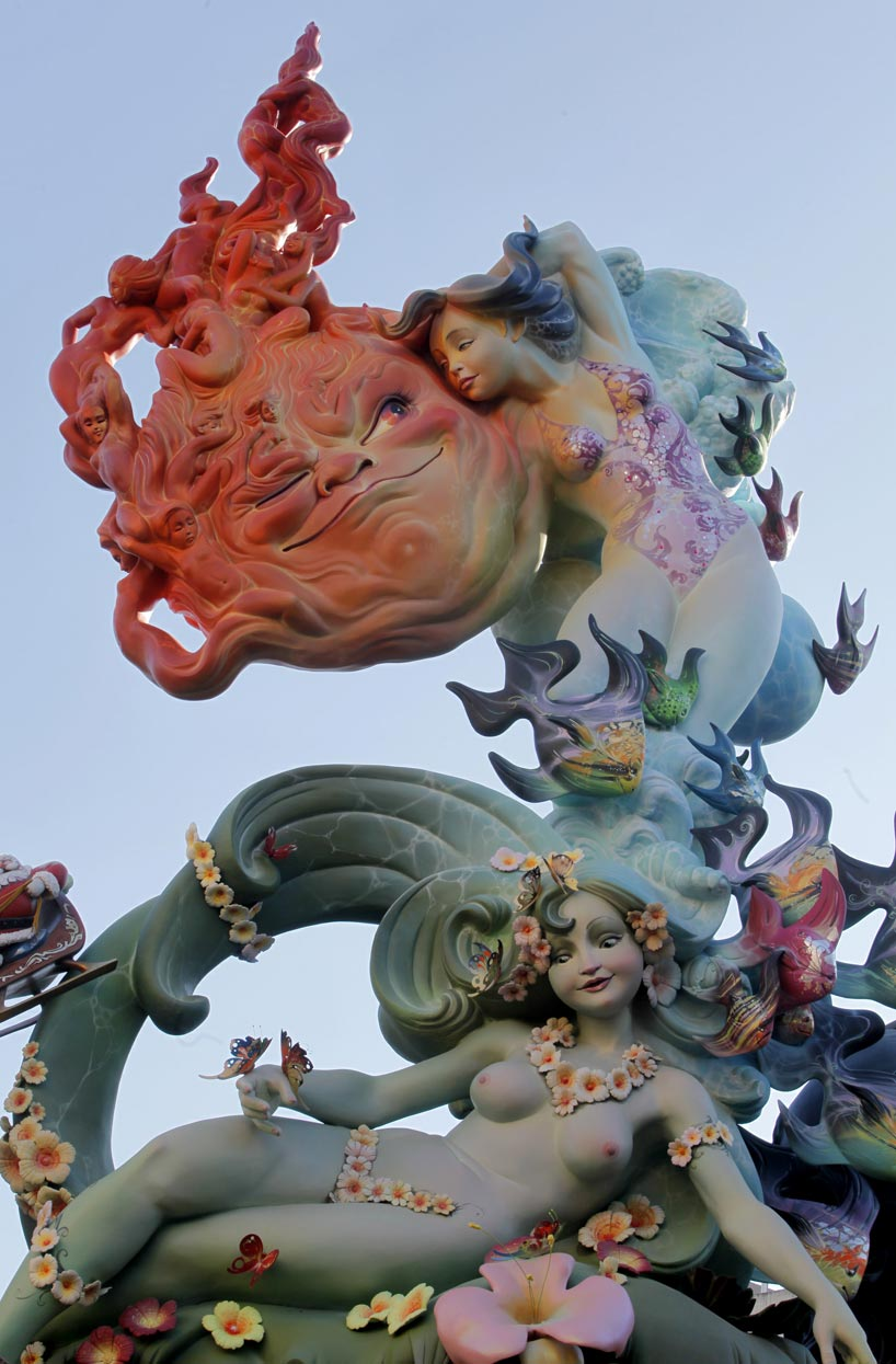 Fallas de Valencia y China