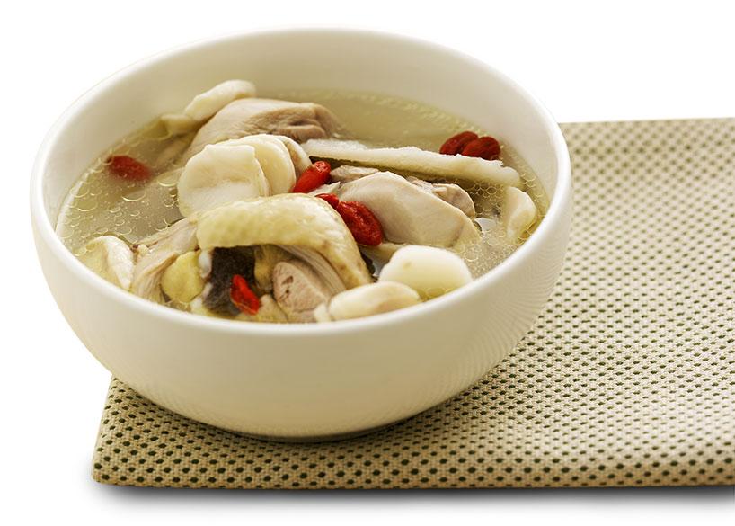 Sopa de pollo (鸡汤)