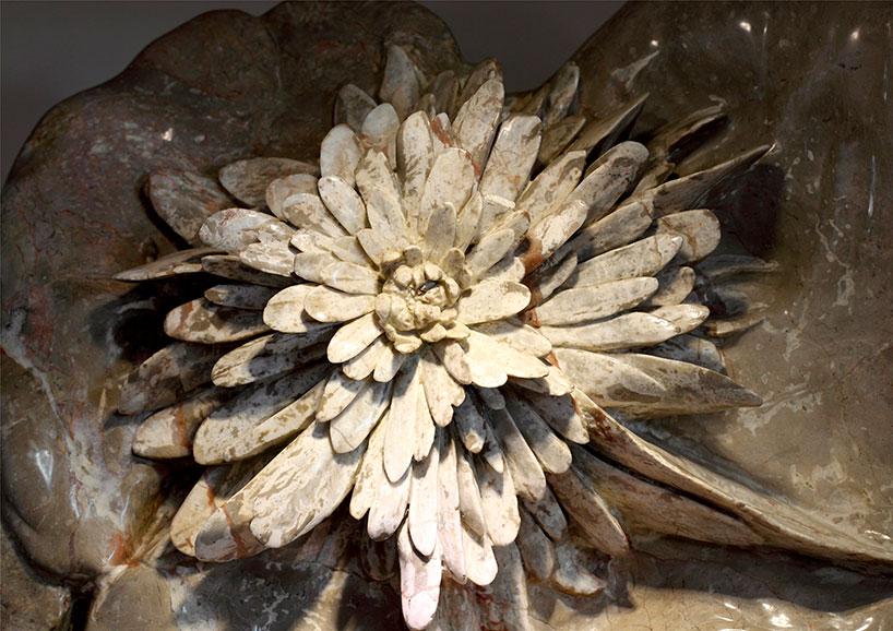 El esculpido de la piedra de crisantemo de Liuyang